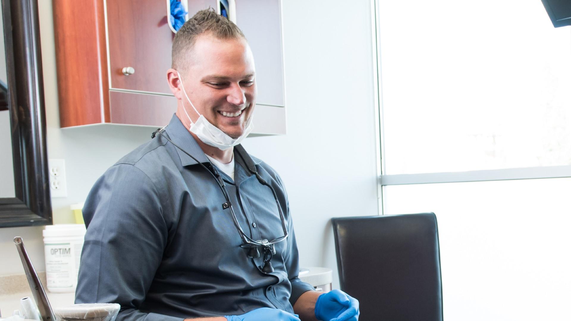 dentist-smiling